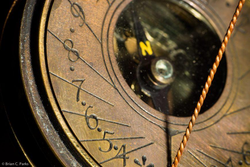 Macro sundial